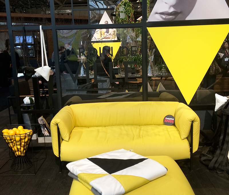 DL-jardin-de-ville-blow-up-sofa-web