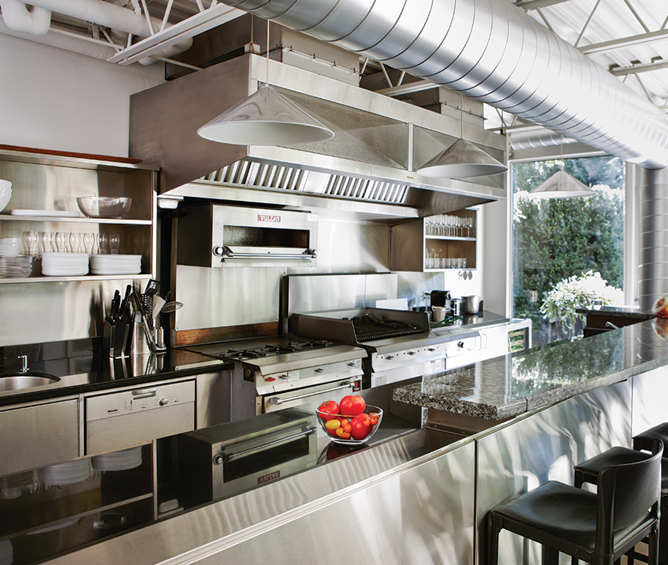 Yorkville Home Design Center: Inside Toronto's First Glass-and-Steel Home