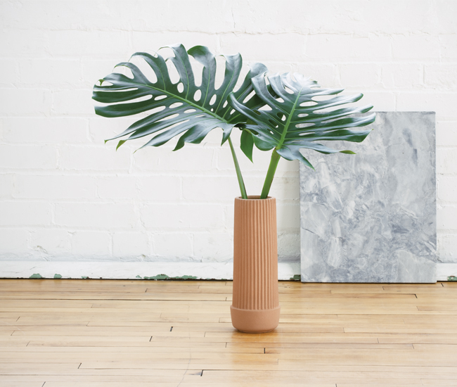 DL-G15-Stuff-Curb-vase