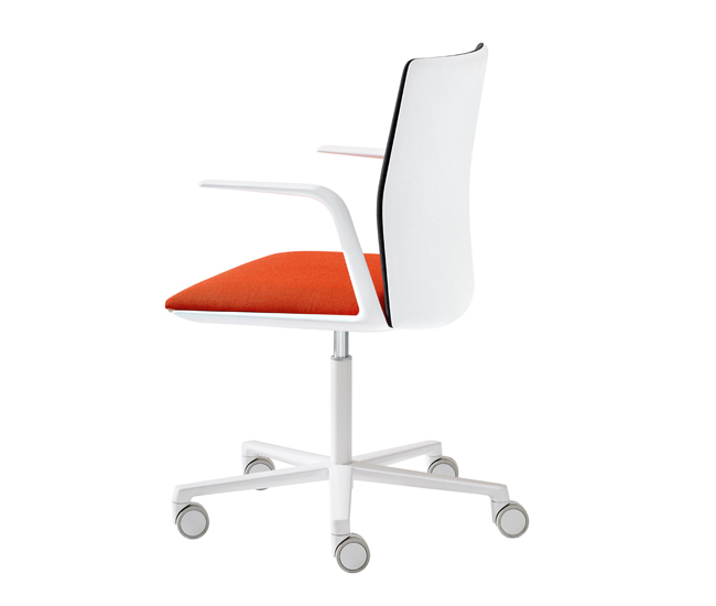 DL-0616-Guide-Chairs-Arper-01